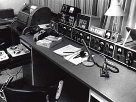 Die Collins-S-Line auf dem Tisch der Clubstation DL0JK